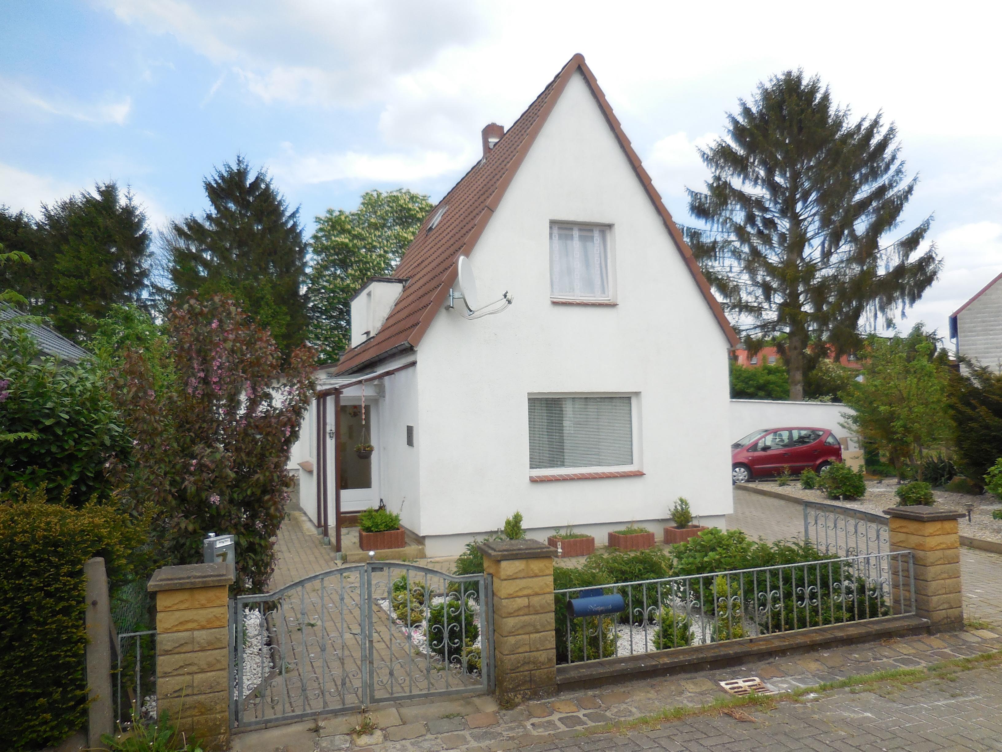 Bremen Kattenesch Einfamilienhaus mit anliegendem